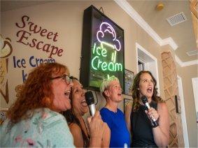 The Ice Cream Social room of The Sweet Escape near Orlando, Florida