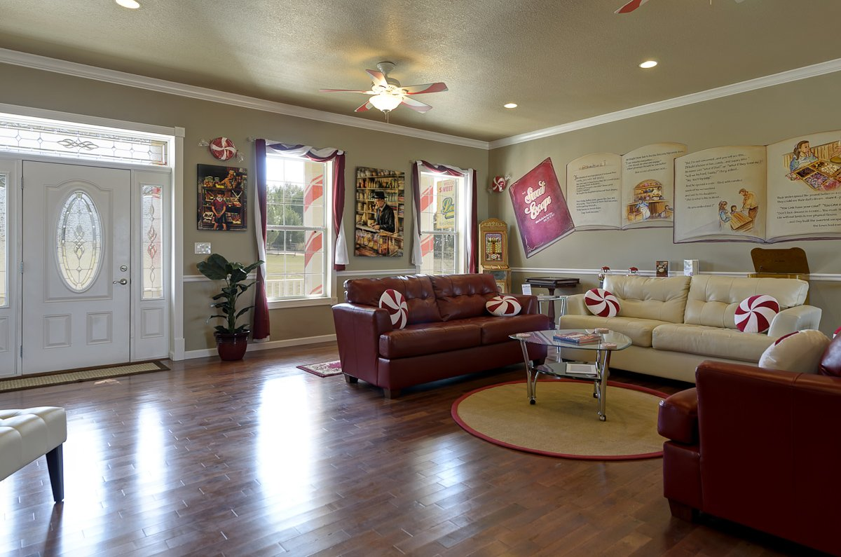 Candy Shop Living Room Photo # 2