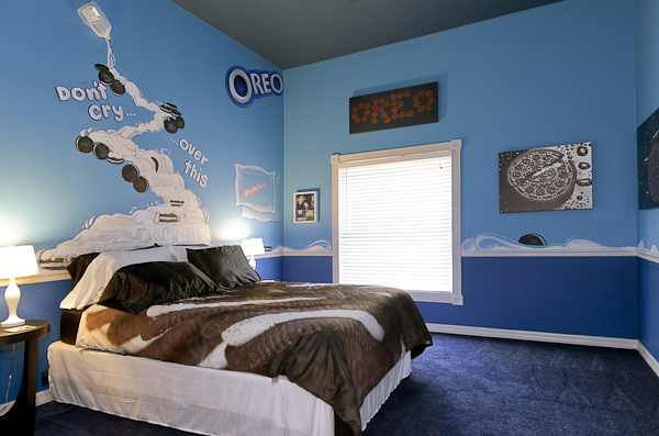 Oreo Cookies and Milk Themed Bedroom at The Sweet Escape