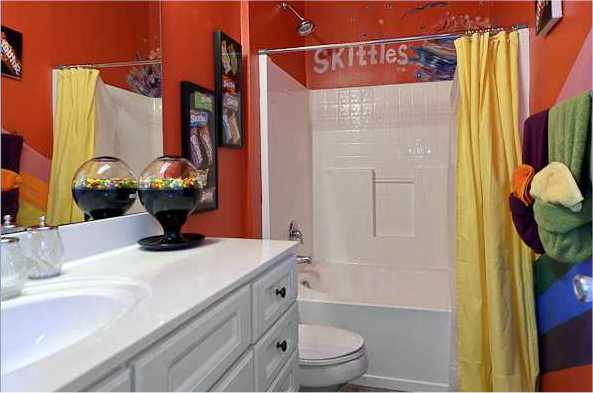 Skittles Bathroom - Orlando, Florida Sweet Escape Vacation Rental
